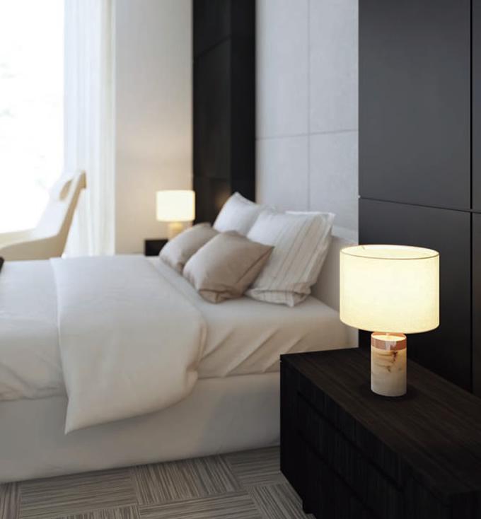 大理石調デザインのテーブルランプ (寝室)