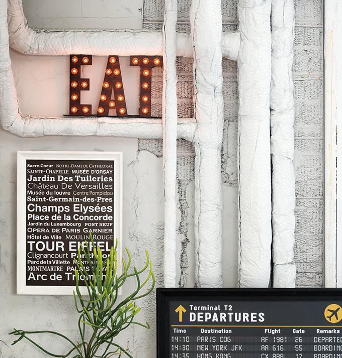 コンセント式 簡単設置のディスプレイサイン (店舗照明)
