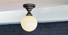アートワークスタジオの玄関や小空間向けの天井照明