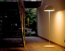 補助照明で空間に奥行きを フロアライト・フロアスタンド